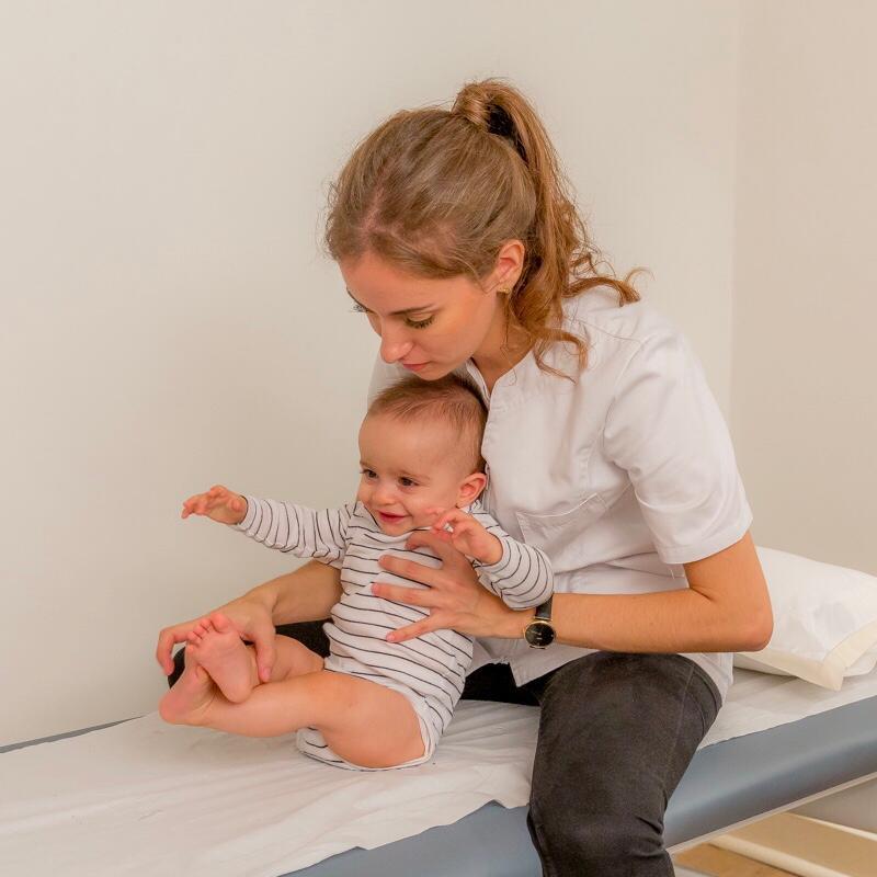 Prise en charge du nourrisson par l'ostéopathe à Paris