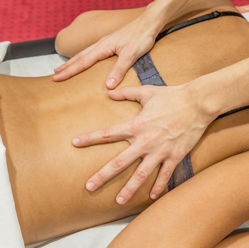 Manipulation du dos pour soulager les douleurs
